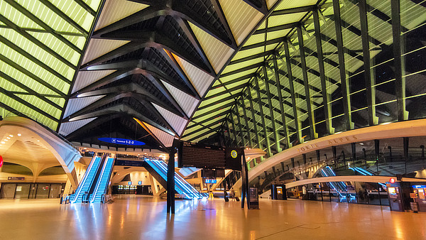 Santiago Calatrava, Gare TGV Lyon Saint Exupéry, Satolas, Colombier-Saugnieu, Rhône-Alpes, France