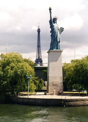 Statue of Liberty, Paris, Frédéric-Auguste Bartholdi, France, Seine