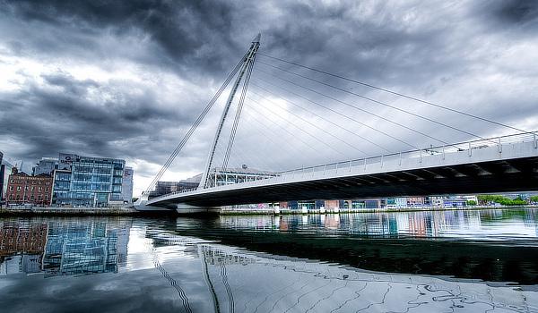 Santiago Calatrava, Samuel Beckett Bridge, Dublin, Ireland, Eire, Droichead Samuel Beckett