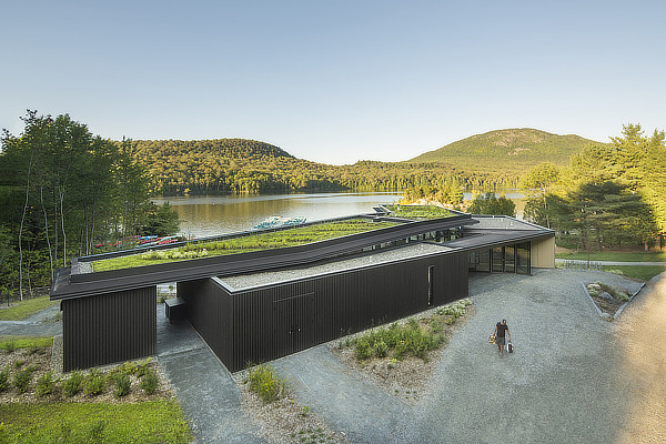 Anne Carrier architecture, Centre de Services Le Bonnallie, Mont Orford, Lac Stukely, Quebec, Canada, Sépaq
